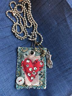 Jewelry OFF! Fiber Art Jewelry, Textile Jewelry, Fabric Jewelry, Jewelry Art, Jewelry Design, Fabric Beads, Fabric Art, Fabric Crafts, Sewing Crafts