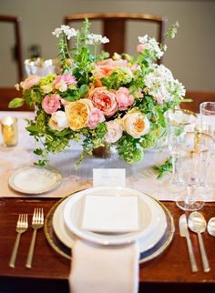 La Tavola Fine Linen Rental: Dupionique Iridescence Blush Table Runner and Napkins | Photography: Kevin Chin Photography, Styling & Floral Design: Nancy Liu Chin Designs, Venue: Crystal Jade Restaurant, Rentals: Bright Event Rentals, Paper Goods: Three Little Words Paper