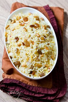 Easy Saffron Rice with Golden Raisins and Pine Nuts #vegan #glutenfree #recipes