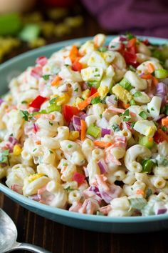 Summer Salad Recipes- 15 of the best easy summer salads Take a look at these yummy Summer Salad Recipes. 15 of the best easy summer salads for you to try this summer. Summer salads are light and tasty. Try one of these summer salads for Mother's day! Salads For Kids, Easy Summer Salads, Summer Salad Recipes, Salad Recipes For Dinner, Homemade Macaroni Salad, Classic Macaroni Salad, Macaroni Salads, Macaroni Pasta, Summer Macaroni Salad