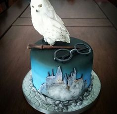 New Birthday Cake Ideas Harry Potter Awesome Ideas Hedwig Harry Potter, Bolo Harry Potter, Gateau Harry Potter, Harry Potter Thema, Harry Potter Birthday Cake, Harry Potter Food, Harry Potter Wedding, Birthday Cake Decorating, Cake Birthday
