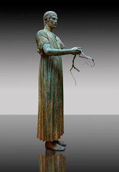 Charioteer of Delphi, bronze, 470 BC.