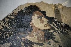 Obra com rosto de Amália Rodrigues encontra-se em Alfama (Fotos: DMC/CML).