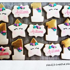 Magical unicorn cookies with gold for your little one's first birthday! Unicorn Cookies, Magical Unicorn, Custom Cookies, Sugar Cookies, First Birthdays, Creative, Desserts, Gold, Tailgate Desserts