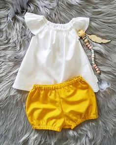 Items similar to Flutter Top on Etsy Baby Girl Dresses, Baby Dress, Toddler Fashion, Kids Fashion, Frocks For Girls, Cute Baby Clothes, Baby Wearing, Kids Wear, Boy Outfits