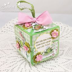 Rubber band activated pop-up cube card tutorial by Bianca