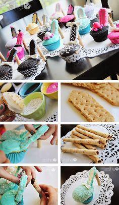 High heel cupcakes but instead of gramcrackers , chocolate bars High Heel Cupcakes, Shoe Cupcakes, Cupcake Cookies, Stiletto Cupcakes, Diy Cupcake, Rose Cupcake, Giant Cupcakes, Cupcake Party, Sprinkles