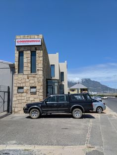 At Communica Cape Town getting more Home Automation bits and pieces http://bit.ly/2DQU9GO