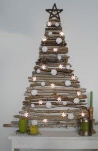 wood log Christmas tree