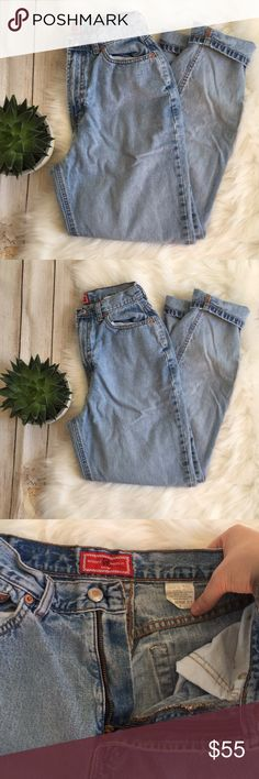 Gap | Vintage Mom Jeans Reverse Fit Light Wash Gap Vintage Mom Jeans! Style is Reverse Fit! Light Wash. Excellent condition! 100% cotton, made in USA! Tag says size 4. Waist measures 12in, would fit size 24. Rise: 11.5in. Inseam: 28in. ⭐️offers welcome⭐️ GAP Jeans