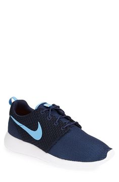 Nike 'Roshe Run' Sneaker (Men)