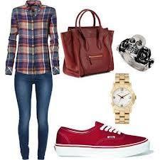 Camisa cuadriculada , jean , zapatillas vans rojas , bolso bordo , reloj dorado y pulsera con cadavera color plateado