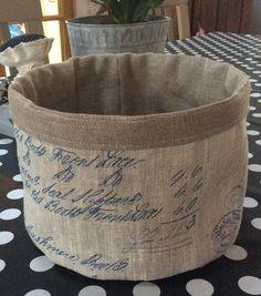 Corbeille textile, panière à pain, vide-poches shabby en lin au écritures anciennes molletonnée : Cuisine et service de table par rouge-lin-et-bois