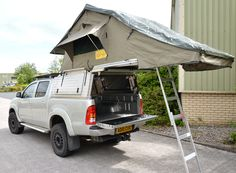 Canopy with Roof Tent ready for expeditions.