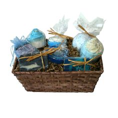 Estupenda cestas de jabones artesanales para regalo.  Disfruta de fragancias y sensaciones a mar, relájate con las sales y muffins de baño y creerás que estás de vacaciones en tu playa favorita. www.milcestas.es