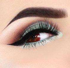 Her eyes look like blood!?