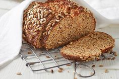 Best protein bread in the world - Keto Recipes Protein Bread, Best Protein, Low Carb Bread, Protein Foods, Low Carb Keto, Low Carb Recipes, Bread Recipes, Breakfast On The Go, Low Carb Breakfast