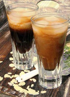 Mandlová ledová káva