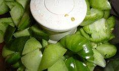 theArtisticFarmer: Canned Green Tomatoes for Fried Green Tomatoes Canning Green Tomatoes, Fried Green Tomatoes, Canning Tips, Home Vegetable Garden, Cucumber, Vegetables, Fruit, Recipes, Food