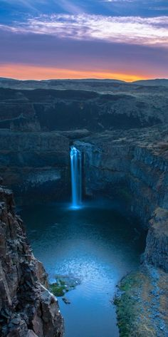 Palouse Falls sunrise on the Palouse River in southeastern Washington, USA
