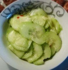 Zoetzure Komkommer Salade / Bijgerechten & Sauzen / Hartige Recepten / Recepten   Takeabite.eu