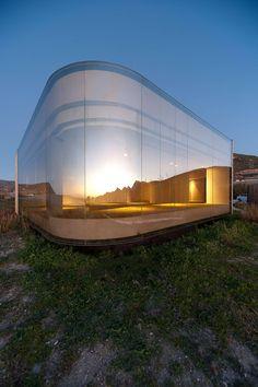 Ce petit pavillon situé dans le sud de l'Espagne est signé par le cabinet d'architecture Jesús Torres García Architects.