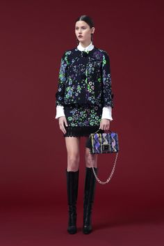 See the complete Andrew Gn Pre-Fall 2016 collection.