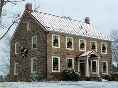Old Stone Houses, Old Houses, Saltbox Houses, Farm Houses, Modern Farmhouse, Farmhouse Style, Farmhouse Homes, Farmhouse Remodel, Farmhouse Ideas