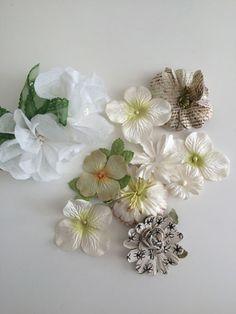 オリジナルの〈airy*flowerピック〉に〈ペーパーフラワーモチーフ〉を組み合わせたラッピングオーナメントのセットです。〈airy*flowerピック〉は...|ハンドメイド、手作り、手仕事品の通販・販売・購入ならCreema。