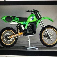 Kawasaki. 1983. #greenmachine #motocrosshistory #motocross via ✨ @padgram ✨(http://dl.padgram.com)