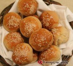 Πεντανόστιμα ψωμάκια ειδικά άμα είστε λάτρεις του ψωμιού όπως εγώ.Τα φτιάχνω το απόγευμα και μόλις βγούν απο το φούρνο τα αλοίφω με βούτυρο. Τρέλλα... Muffins, Pastry Art, Bread Bun, Baking And Pastry, Recipe Images, Greek Recipes, Pain, Food For Thought, Food Hacks