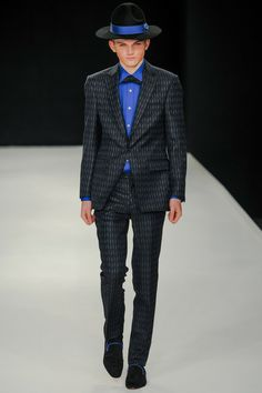 Hat's a little too Amish but the suit is good. E. Tautz | Spring 2014 Menswear Collection | Style.com