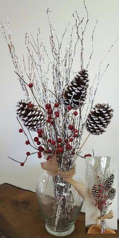 Toma nota de esta variedad de ideas que te permitirán crear hermosos centros de mesa navideños con materiales fáciles y al alcance de tu ma...