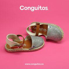 Summer time! Mamis, ¿qué os parecen estas sandalias para vuestra peque? Modernas, cómodas y además combinan con todo :) www.conguitos.es