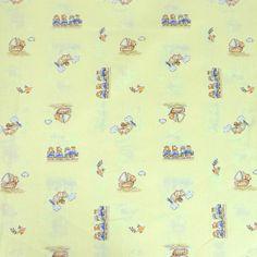 Vendu en coupon de 3 mètres  Tissu en coton imprimé pour enfants, sur le thème des vacances et des voyages, sur fond de couleur Jaune pâle.  Idéal pour la réalisation de pièces légères, vêtements enfants...