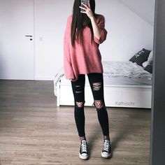 Pink sweater jeans converse outfit on we heart it Edgy Teen Fashion, Urban Fashion Trends, Kpop Fashion Outfits, Edgy Outfits, Korean Outfits, Cute Casual Outfits, Outfits For Teens, Korean Fashion, Womens Fashion