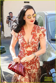 Dita Von Teese: love this dress.