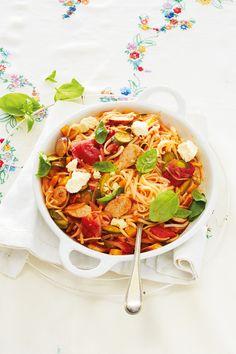 No-fuss Sausage pasta Sausage Recipes, Pasta Recipes, Chicken Recipes, Cookbook Recipes, Cooking Recipes, Chicken Sausage Pasta, Pasta Ideas, Free Angel, Cook Up A Storm