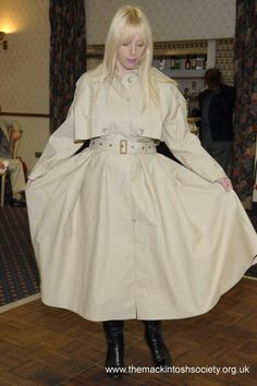 Fawn riding mack at a Mackintosh Society function. Rubber Raincoats, Raincoats For Women, Rain Wear, My Black, Black Rubber, Fashion Show, Women Wear, Lucy Lucy, Elegant