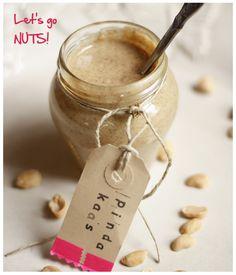 zelfgemaakte pindakaas. Ongezouten pindas (of andere noten) in blender en mixen in 4 min: pindakaas!!