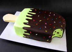 ice cream bar cake-- I want this!!!! I would change the green to white cake, then I would not have the bite in it, :).