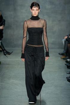 Vera Wang Fall 2015 Ready-to-Wear Fashion Show - Ashleigh Good