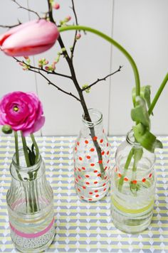 From the Blog Sjoesjoe likes lovely things!: DIY Easter Flower Bottles