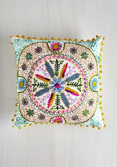 Bo-Homey Pillow - From the Home Decor Discovery Community at www.DecoandBloom.com