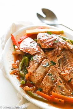 Steamed Fish [whole red snapper, lime or lemon, fresh thyme, paprika… Fish Recipes Jamaican, Jamaican Cuisine, Jamaican Dishes, Jamaican Steam Fish Recipe, Whole Red Snapper Recipes, Whole Fish Recipes, Carribean Food, Caribbean Recipes, Jamaica Food