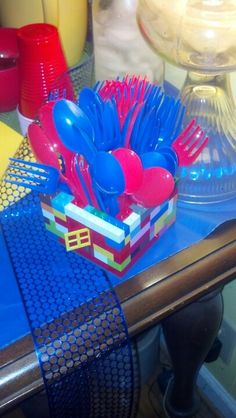 Utensil (or pencil) holder, Lego style. Lego Birthday, Pencil Holder, Legos, Birthday Candles, Party, Style, Swag, Lego, Pencil Holders