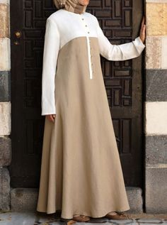 SHUKR's long dresses and abayas are the ultimate in Islamic fashion. Halal standards, ethically-made, international shipping, and easy returns. Modest Long Dresses, Muslim Long Dress, Simple Dresses, Maxi Dresses, Mode Abaya, Mode Hijab, Abaya Fashion, Fashion Dresses, Moslem Fashion