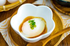 Onsen Tamago 温泉卵 Easy Japanese Recipes, Japanese Food, Egg Recipes, Dairy Free Recipes, Healthy Recipes, Onsen Tamago, Onsen Egg, How To Cook Eggs, Asian Cooking
