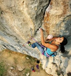 www.boulderingonline.pl Rock climbing and bouldering pictures and news Daila-Ojeda-Overhead
