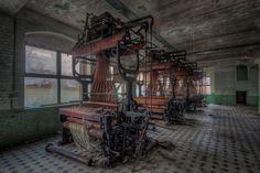 Abandoned weaving mi